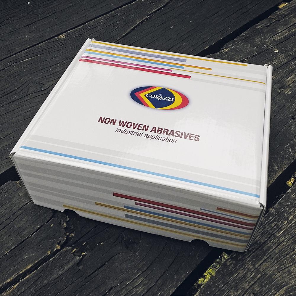 Progetto su fustella esistente per scatola contenente campionatura.